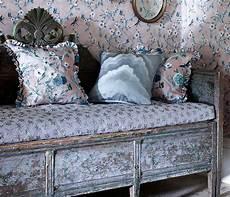 tapeten vintage vintage landhaus tapeten u passende stoffe mit rosen zum