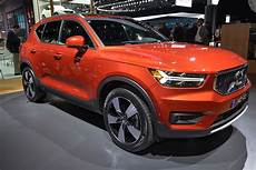 new volvo models 2019 l a auto show all new 2019 volvo xc40 launches