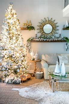 neutral christmas tips for decorating a silver and gold christmas tree