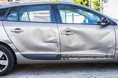 restwert auto berechnen restwert des fahrzeugs nach einem verkehrsunfall unfall 2019