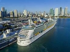 royal caribbean reports 2019 first quarter earnings