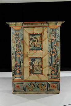 armadi tirolesi antichi armadio in legno dipinto arte tirolese xix secolo