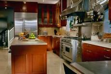 Hochglanz Küche Reinigen Mit Glasreiniger - hochglanz k 252 che pflegen so reinigen sie die
