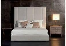 letto con spalliera imbottita stripe bed with high headboard rugiano milia shop