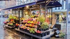 negozio fiori aprire un negozio di fiori tutto quello devi sapere