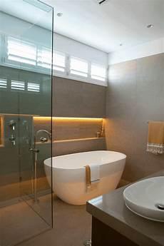bad mit dusche und badewanne badewanne freistehend ideen und inspirierende badezimmer