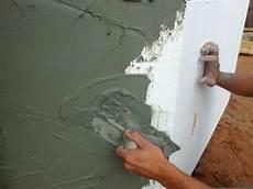 enduit de finition exterieur comment enduire un mur ext 233 rieur en 2 couches bricobistro