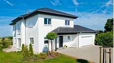 stadtvilla mit garage und stadtvilla mit eingangs und garagenanbau ausbauhaus