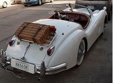 ancienne jaguar cabriolet jaguar xk 140 with picnic basket my style jaguar xk