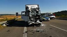 Sinsheim Schwerer Unfall Auf A6 Lkw Fahrer 51