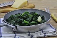 come cucinare gli spinaci come contorno spinaci in padella ricetta contorno la cucina di rosalba