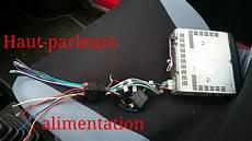 Brancher Connecteur Autoradio Au Cable De La Voiture