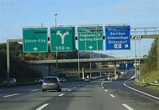 Ratgeber Autobahn Geschwindigkeit Abstand Stau