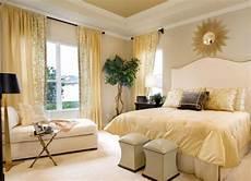 Schlafzimmer Braun Beige Modern - warm yellow and beige bedroom colors modern ideas in