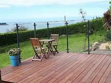 pare vent bois pose d une terrasse avec pare vent dans notre maison en