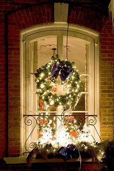 Decorations Lights Windows by 50 Windows Decorations Ideas To Displays