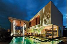 haus in l form stunning home x11 by spagnuolo architecture