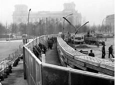 The Berlin Wall Is Built August 13 1961 Association