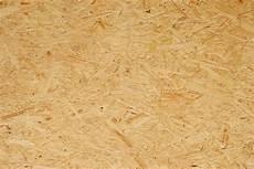 osb platten wetterfest spanplatte streichen 187 anleitung in 4 schritten
