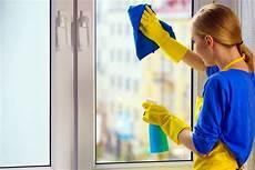 Fenster Streifenfrei Putzen Hausmittel - fenster streifenfrei putzen