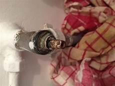 robinet d arriv 233 e d eau qui fuit