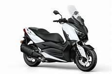 yamaha x max 300 yamaha unwraps new maxi scooter x max 300