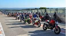 Stage De Pilotage Moto Circuit De L 233 Denon