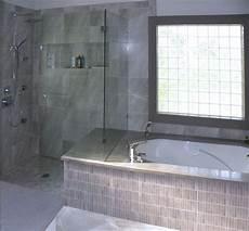 Dusche Und Badewanne Nebeneinander - image result for master bathroom with same tile around tub