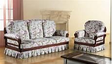 divani classici in legno divano classico tessuto sfoderabile ecocompatibile