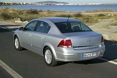 Opel Astra Sedan 1 6 Automatic Photos 2 Pictures