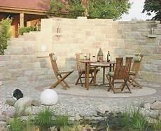 muelltonnen verstecken der perfekte garten sitzecke mauer steinmauer garten sichtschutz