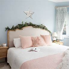 christmas bedroom decorating ideas that will make your scheme magical