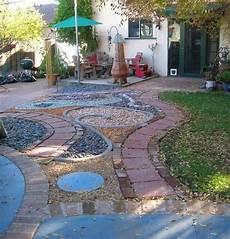 idee deco jardin gravier 36208 gravier d 233 coratif et galets pour enjoliver votre jardin 30 id 233 es