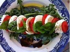 easy tomato bocconcini salad recipe gastrofork
