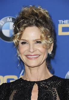 kyra sedgwick kyra sedgwick at 2018 directors guild awards in los