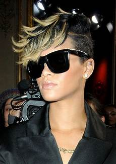 pictures rihanna s short haircuts best styles over the years rihanna mohawk with blonde