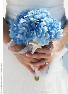 fresh wedding flower bouquet ideas in the colors