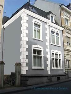 Hausfassade Blau Weisse Akzente Haus Modern House