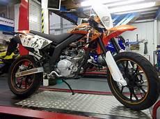 ajs jsm 125cc supermoto motorbike learner bike 125
