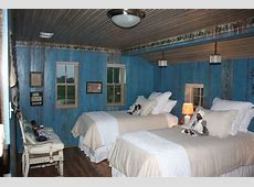 Really artistic way to paint over wood paneling!   Blue