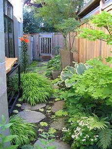 Narrow Side Yard Home Design Ideas Pictures Remodel And