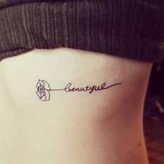 Tattoos Frauen Schriftzug - schriftzug rippe beautiful filigran
