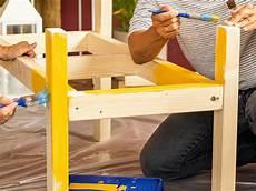 holz vor dem lackieren entfetten sitz oder gartenbank selber bauen ideen und tipps obi