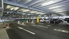 Park And Ride Düsseldorf - parkeergarage p7 dicht bij de terminal parkeren op de