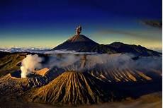 10 Wisata Gunung Ikonik Yang Bisa Kamu Daki Di Indonesia