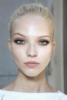 maquillage pour cheveux comment maquiller les yeux bleus le maquillage des