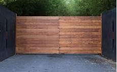 portail en bois portail en bois prix mod 232 les et conseils de pro