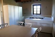 corian piano cucina cucina moderna con piano in corian tm cuc001 mobili su