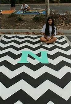 parkplatz gestalten ideen 76 best parking spot ideas for high school seniors images