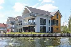Haus Auf Wasser - weisses haus plau ferienwohnung typ suite in plau am see